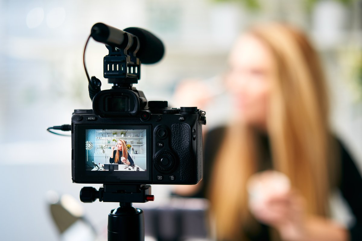 The Benefits of Live Stream for Business and the Value of Using a Professional Service
